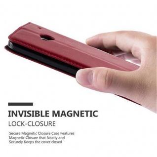 Cadorabo Hülle für HTC ONE M7 (1.Generation) in APFEL ROT - Handyhülle mit Magnetverschluss, Standfunktion und Kartenfach - Case Cover Schutzhülle Etui Tasche Book Klapp Style - Vorschau 5