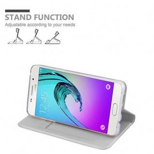 Cadorabo Hülle für Samsung Galaxy A5 2016 in CLASSY SILBER - Handyhülle mit Magnetverschluss, Standfunktion und Kartenfach - Case Cover Schutzhülle Etui Tasche Book Klapp Style - Vorschau 4