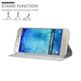 Cadorabo Hülle für Samsung Galaxy A8 2015 in CLASSY SILBER - Handyhülle mit Magnetverschluss, Standfunktion und Kartenfach - Case Cover Schutzhülle Etui Tasche Book Klapp Style - Vorschau 4