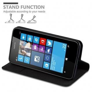 Cadorabo Hülle für Nokia Lumia 630 in NACHT SCHWARZ - Handyhülle mit Magnetverschluss, Standfunktion und Kartenfach - Case Cover Schutzhülle Etui Tasche Book Klapp Style - Vorschau 5