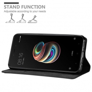 Cadorabo Hülle für Xiaomi RedMi 5A in NACHT SCHWARZ - Handyhülle mit Magnetverschluss, Standfunktion und Kartenfach - Case Cover Schutzhülle Etui Tasche Book Klapp Style - Vorschau 4