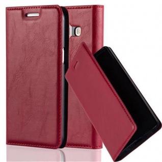 Cadorabo Hülle für Samsung Galaxy J1 2015 in APFEL ROT - Handyhülle mit Magnetverschluss, Standfunktion und Kartenfach - Case Cover Schutzhülle Etui Tasche Book Klapp Style