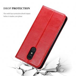 Cadorabo Hülle für LG Q Stylus in APFEL ROT Handyhülle mit Magnetverschluss, Standfunktion und Kartenfach Case Cover Schutzhülle Etui Tasche Book Klapp Style - Vorschau 5