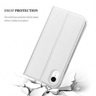 Cadorabo Hülle für Apple iPhone XR in CLASSY SILBER - Handyhülle mit Magnetverschluss, Standfunktion und Kartenfach - Case Cover Schutzhülle Etui Tasche Book Klapp Style - Vorschau 5