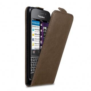 Cadorabo Hülle für Blackberry Q10 in KAFFEE BRAUN Handyhülle im Flip Design mit Magnetverschluss Case Cover Schutzhülle Etui Tasche Book Klapp Style