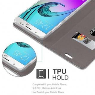 Cadorabo Hülle für Samsung Galaxy J7 2016 in HELL GRAU BRAUN - Handyhülle mit Magnetverschluss, Standfunktion und Kartenfach - Case Cover Schutzhülle Etui Tasche Book Klapp Style - Vorschau 4