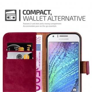 Cadorabo Hülle für Samsung Galaxy J1 2015 in WEIN ROT - Handyhülle mit Magnetverschluss, Standfunktion und Kartenfach - Case Cover Schutzhülle Etui Tasche Book Klapp Style - Vorschau 3