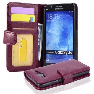 Cadorabo Hülle für Samsung Galaxy J5 2015 in BORDEAUX LILA - Handyhülle mit Magnetverschluss und 3 Kartenfächern - Case Cover Schutzhülle Etui Tasche Book Klapp Style