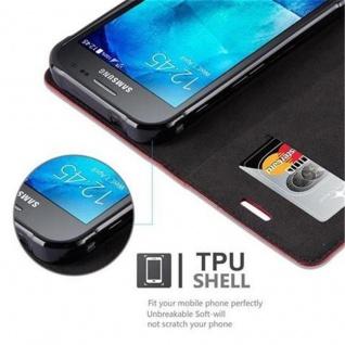 Cadorabo Hülle für Samsung Galaxy XCover 3 in APFEL ROT - Handyhülle mit Magnetverschluss, Standfunktion und Kartenfach - Case Cover Schutzhülle Etui Tasche Book Klapp Style - Vorschau 4