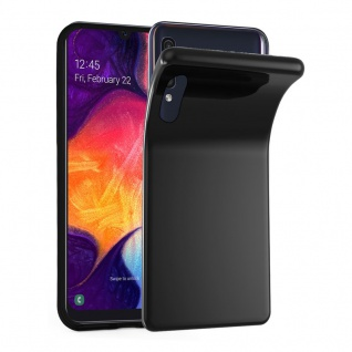 Cadorabo Hülle für Samsung Galaxy A50 in SCHWARZ - Handyhülle aus flexiblem TPU Silikon - Silikonhülle Schutzhülle Ultra Slim Soft Back Cover Case Bumper