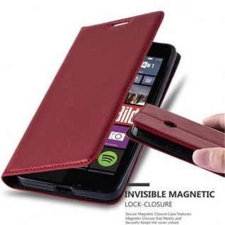 Cadorabo Hülle für Nokia Lumia 640 in APFEL ROT - Handyhülle mit Magnetverschluss, Standfunktion und Kartenfach - Case Cover Schutzhülle Etui Tasche Book Klapp Style