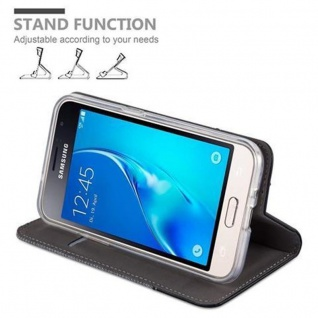 Cadorabo Hülle für Samsung Galaxy J1 2016 in GRAU SCHWARZ - Handyhülle mit Magnetverschluss, Standfunktion und Kartenfach - Case Cover Schutzhülle Etui Tasche Book Klapp Style - Vorschau 4