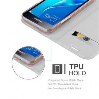 Cadorabo Hülle für Samsung Galaxy J1 2016 in CLASSY SILBER - Handyhülle mit Magnetverschluss, Standfunktion und Kartenfach - Case Cover Schutzhülle Etui Tasche Book Klapp Style - Vorschau 2