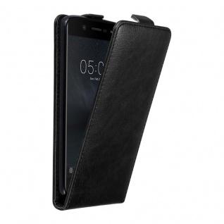 Cadorabo Hülle für Nokia 5 2017 in NACHT SCHWARZ - Handyhülle im Flip Design mit unsichtbarem Magnetverschluss - Case Cover Schutzhülle Etui Tasche Book Klapp Style