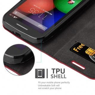 Cadorabo Hülle für Motorola MOTO E1 in APFEL ROT Handyhülle mit Magnetverschluss, Standfunktion und Kartenfach Case Cover Schutzhülle Etui Tasche Book Klapp Style - Vorschau 3