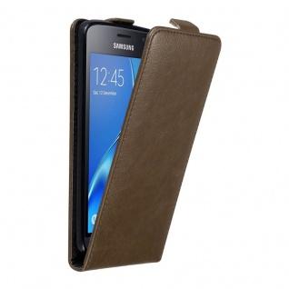 Cadorabo Hülle für Samsung Galaxy J1 2016 in KAFFEE BRAUN Handyhülle im Flip Design mit unsichtbarem Magnetverschluss Case Cover Schutzhülle Etui Tasche Book Klapp Style