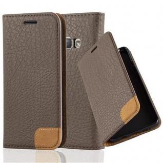 Cadorabo Hülle für Samsung Galaxy J1 2016 (6) - Hülle in ERD BRAUN - Handyhülle mit Standfunktion, Kartenfach und Textil-Patch - Case Cover Schutzhülle Etui Tasche Book Klapp Style