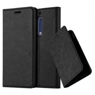 Cadorabo Hülle für Nokia 5 2017 in NACHT SCHWARZ - Handyhülle mit Magnetverschluss, Standfunktion und Kartenfach - Case Cover Schutzhülle Etui Tasche Book Klapp Style
