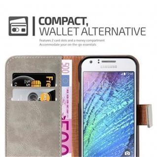 Cadorabo Hülle für Samsung Galaxy J1 2015 in CAPPUCCINO BRAUN ? Handyhülle mit Magnetverschluss, Standfunktion und Kartenfach ? Case Cover Schutzhülle Etui Tasche Book Klapp Style - Vorschau 3