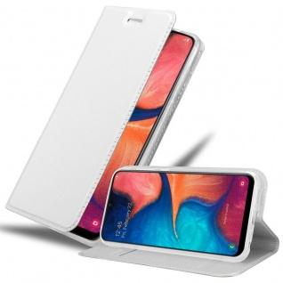 Cadorabo Hülle für Samsung Galaxy A20e in CLASSY SILBER Handyhülle mit Magnetverschluss, Standfunktion und Kartenfach Case Cover Schutzhülle Etui Tasche Book Klapp Style