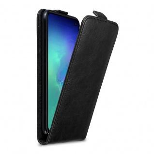 Cadorabo Hülle für Samsung Galaxy S10e in NACHT SCHWARZ - Handyhülle im Flip Design mit Magnetverschluss - Case Cover Schutzhülle Etui Tasche Book Klapp Style - Vorschau 1