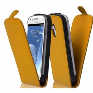 Cadorabo Hülle für Samsung Galaxy S3 MINI in KILL BILL GELB - Handyhülle im Flip Design aus glattem Kunstleder - Case Cover Schutzhülle Etui Tasche Book Klapp Style
