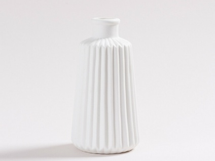 Vase MARIT Weiß Blumenvase Keramik 17 cm Rillen Design Skandinavische Deko