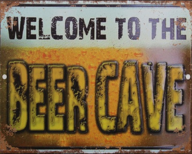 Originelles Blechschild mit Motiv WELCOME TO THE BEER CAVE im Retro Look