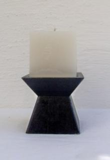 WOHNAMBIENTE Kerzenständer, Kerzenhalter Art.-Nr.: D 42 Maße: Fuß 9, 5 x 9, 5 cm, h= 9 cm, Kerze im Würfelformat 7, 3 cm.