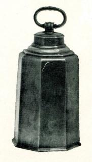 WOHNAMBIENTE Zinnkrug, schweizer Prismenflasche Art.-Nr.: 1-257 Maße: Höhe 27 cm, Volumen 2, 3 ltr.