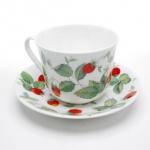 WOHNAMBIENTE Porzellan, Geschirr Art.-Nr.: 802 2-tlg. Gedeck (Tasse und Untertasse). Erdbeer- (Strawberry) Geschirr von Roy Kirkham Maße: Tasse d= 9 cm, h= 7, 5 cm, U-Tasse d= 15 cm,