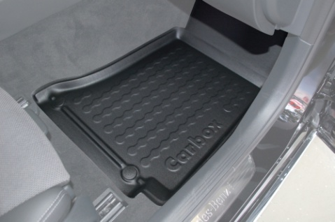 Carbox FLOOR Fußraumschale Gummimatte Mercedes C-Klasse W205 & S205 vorne rechts