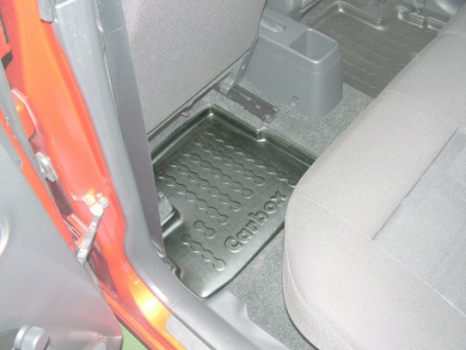 Carbox FLOOR Fußraumschale Gummimatte Fußmatte Suzuki Splash hinten links