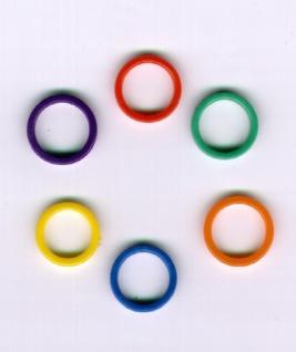 1294 Einfarbiger Plastikring mit 20mm Durchmesser, in rot, orange, gelb, blau, dunkelblau und grün