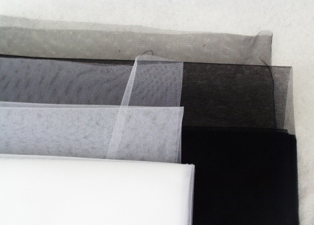 14711 Tüll, ca. 140cm breit, Petticoat Appretur, in schwarz, weiß,
