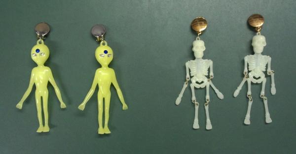 """1053 1 Paar Ohrclipse als """" Skelett"""" oder """" Alien"""" (neongelb), - Vorschau"""
