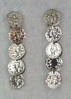 1048 1 Paar Ohrclipse mit silberfarbenen Münzen, 7cm lang...