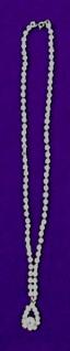 11938 Kette mit Tropfenanhänger, mit 96 Similisteinen, 23cm lang...