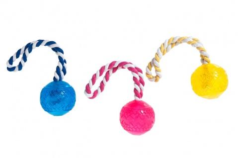 Karlie Hundespielzeug TPR Ball mit Seil