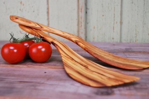 Pfannenwender extra breit aus Olivenholz, hitzebeständig, für Linkshänder 30cm