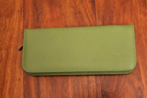 Mäppchen für 3 Schreibgeräte; Etui für 3 Schreibgeräte, grün, mit Reißverschluß