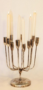 Dekorativer Kerzenständer für 12 Stabkerzen aus Metall