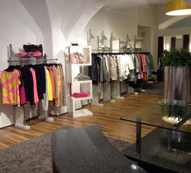 schuhbaum mode in regensburg obere bachgasse 9. Black Bedroom Furniture Sets. Home Design Ideas