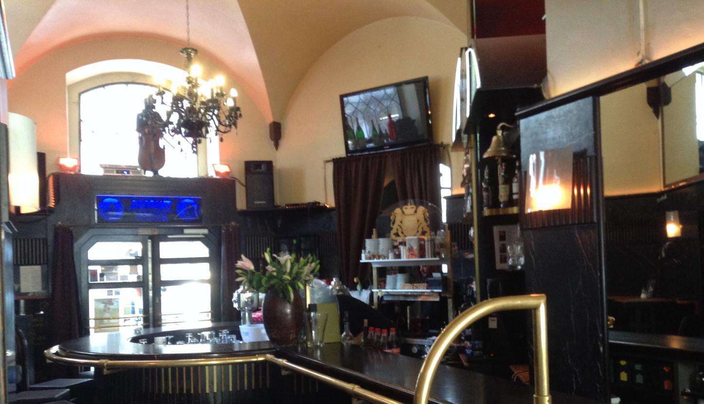 hemingway 39 s in regensburg obere bachgasse 3. Black Bedroom Furniture Sets. Home Design Ideas