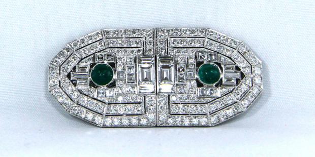 Art Deco Doppelclipbrosche (um 1925) mit Brillanten & Smaragden