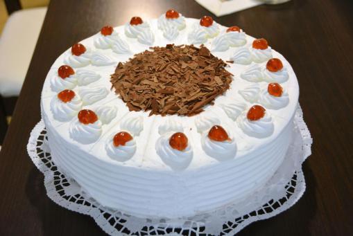 Vegane Schwarzwälder-Kirsch-Torte