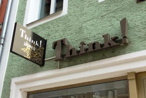Think! Store Regensburg - Untere Bachgasse 11