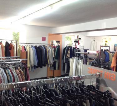 Fairkauf - sozialer Kleiderladen von AWO und Caritas