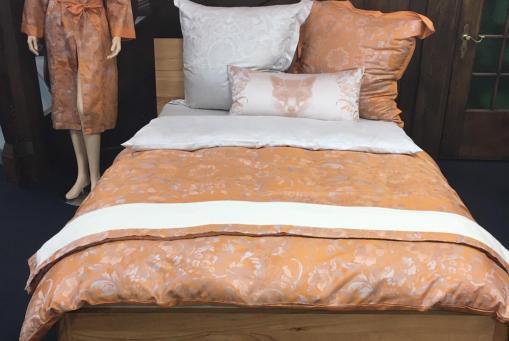 Elegant glänzende Bettwäsche