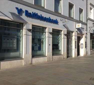 ffnungszeiten raiffeisenbank regensburg neupfarrplatz 15. Black Bedroom Furniture Sets. Home Design Ideas
